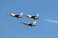 Air Force Thunderbird F16s in flight at Miramar air show-125 10-12-07