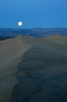 Moon setting over dunes near Stovepipe Wells in Death Valley-07 3-22-08